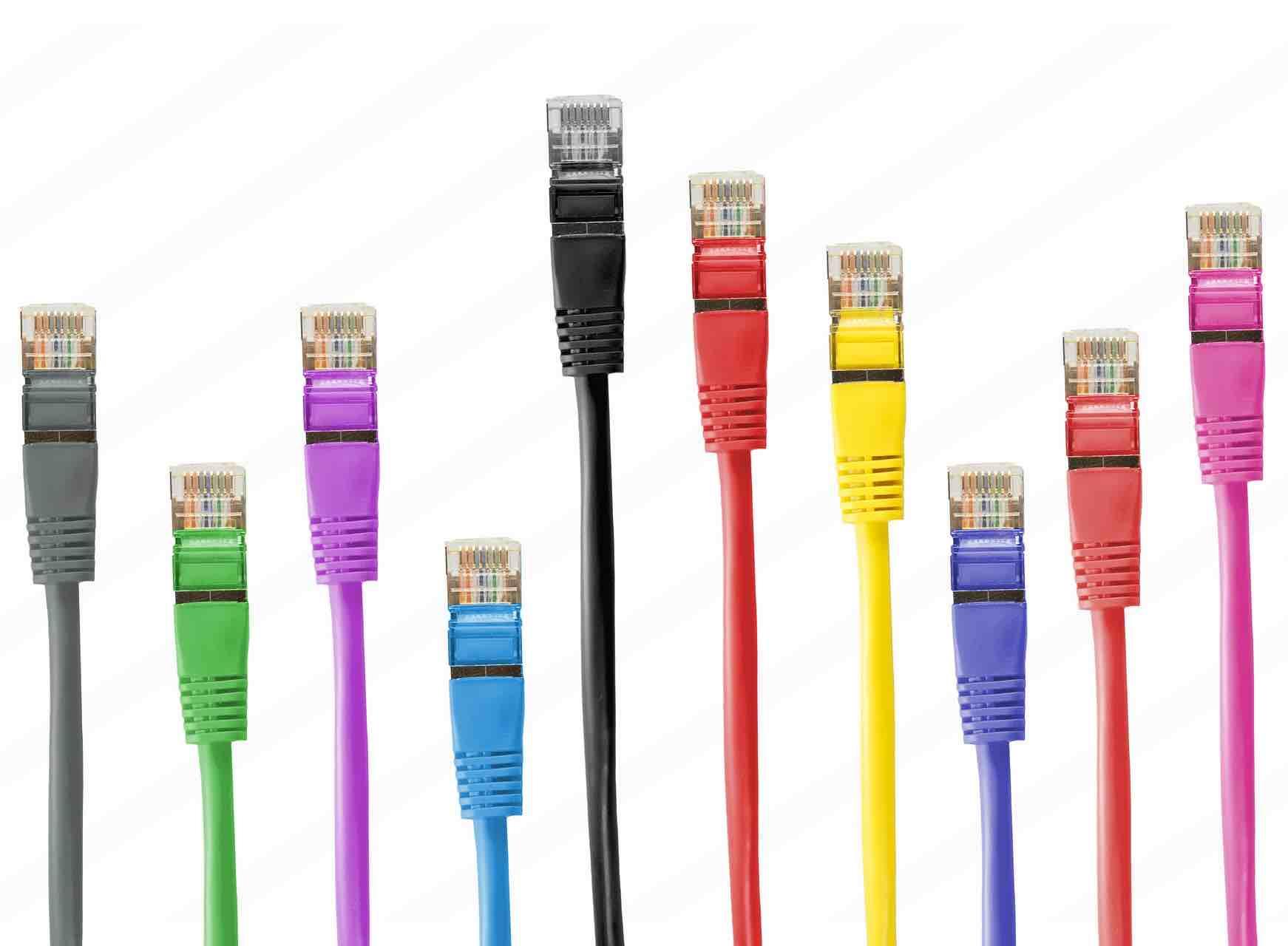 כבל רשת CAT6 במגוון אורכים